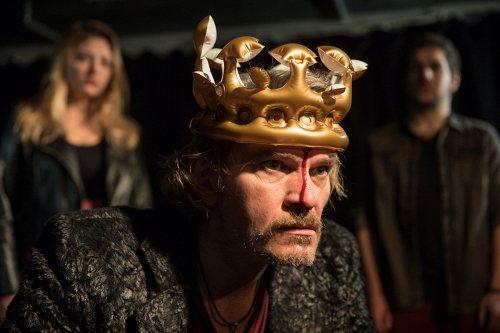 Darstellung einer Produktion Richard III. nach William Shakespeare 2/5