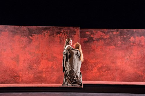 Darstellung einer Produktion Amphitryon Lustspiel von Heinrich von Kleist nach Molière 1/12