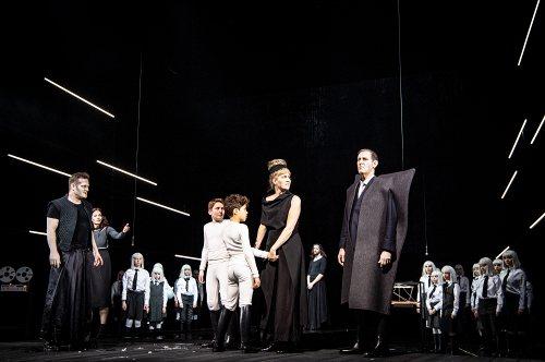 Darstellung einer Produktion Medea nach Euripides 3/7