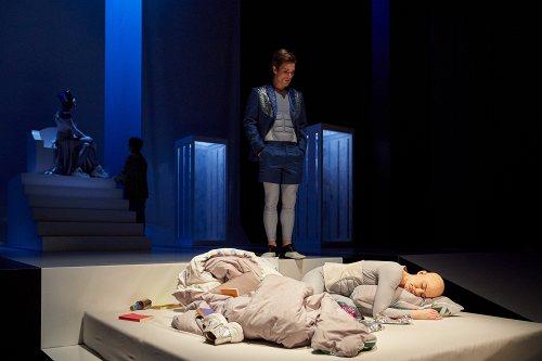 Darstellung einer Produktion CORPUS DELICTI Ein Drama von Juli Zeh 3/3