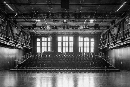 Bild einer Bühne Akademietheater 1/2